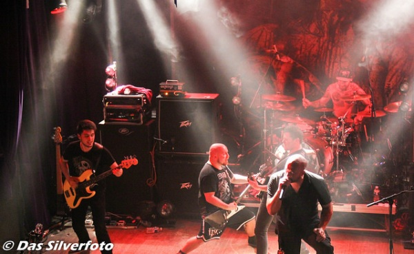 Benighted_Paris_-_Le_Divan_Du_Monde_20140312