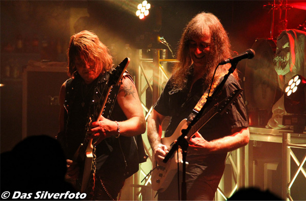 Gamma_Ray_-_Rhapsody_Of_Fire_Paris_-_Trabendo_20140409